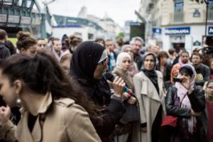 Manifestation contre l'islamophobie et pour défendre le droit des mamans voilées d'accompagner leurs enfants aux sorties scolaires.