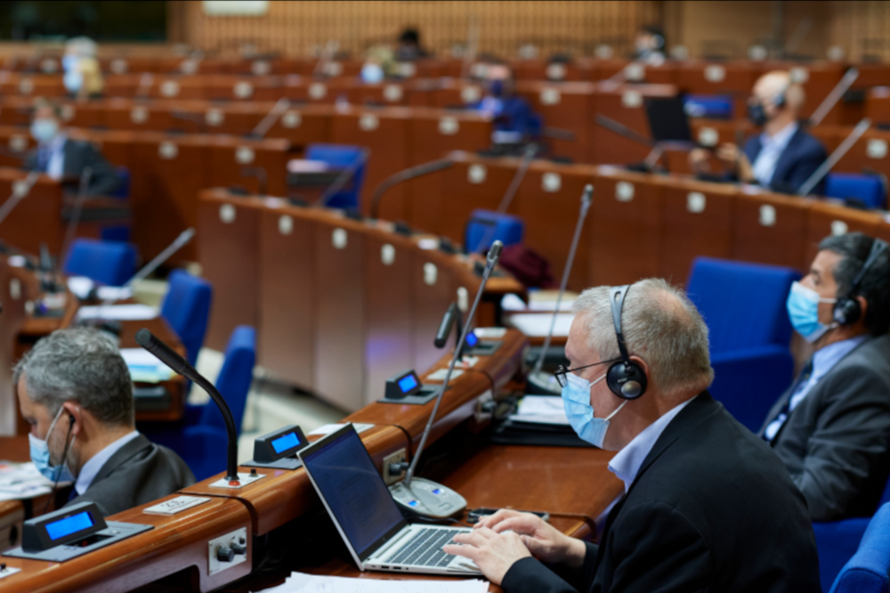 """Le Conseil de l'Europe rappelle que le vaccin """"n'est pas obligatoire"""""""